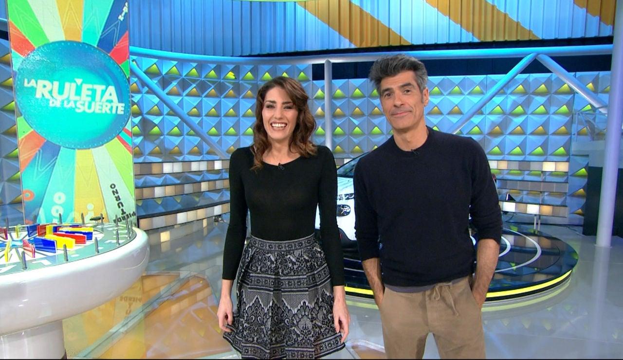 Jorge y Laura, impresionados con el nuevo coche de 'La ruleta de la suerte'