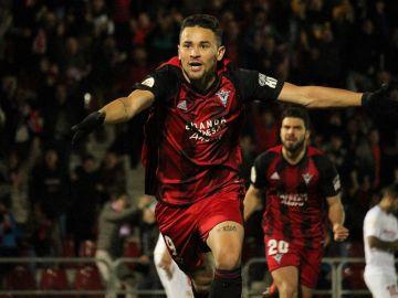El Mirandés celebra un gol ante el sevilla