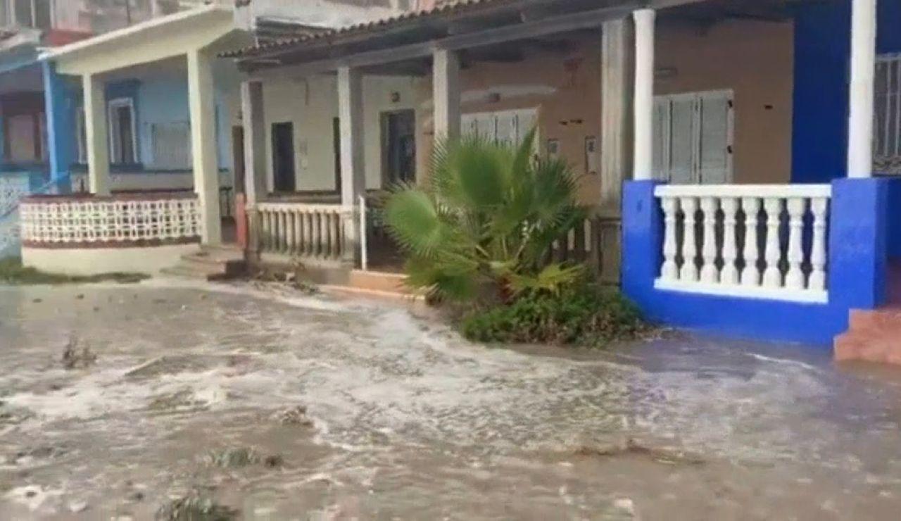 Los vecinos de Nules denuncian la dramática situación de sus playas