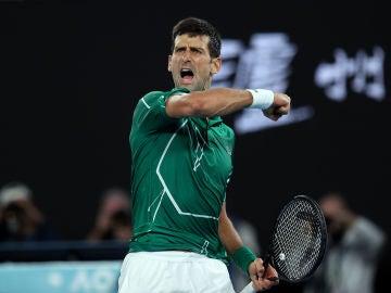 Novak Djokovic durante su partido de semifinales.