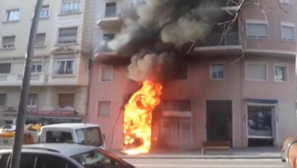 Gran incendio en una tienda de ropa en Barcelona