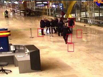 La actuación de los policías en el Aeropuerto de Barajas