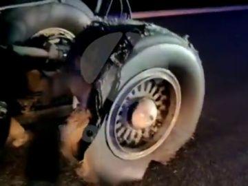 Así ha quedado una de las ruedas del avión de Air Canada que ha aterrizado en Madrid