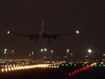Así ha sido el aterrizaje de emergencia del avión de Air Canadá