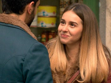 Luisita acepta una cita con Sebas