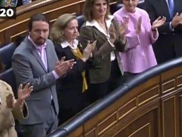 Las diferencias entre esta apertura de la Legislatura y la anterior: Pablo Iglesias y los ministros de Unidas Podemos sí aplauden al Rey