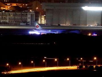 El avión de Air Canada averiado aterriza con éxito