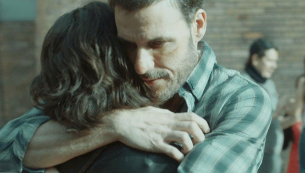 El cálido reencuentro entre Antonio e Inma dentro de la cárcel de Bogotá
