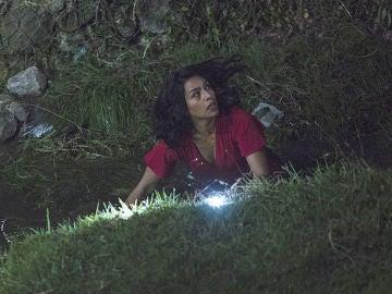 Angelita arriesga su vida a cambio de información sobre Cruz
