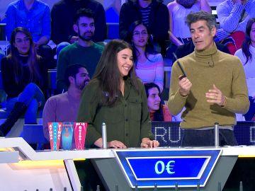 Una concursante de 'La ruleta de la suerte' salva el panel gracias a un miembro del público