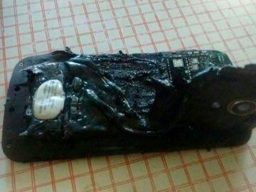Se quema cuando su móvil explotó mientras dormía