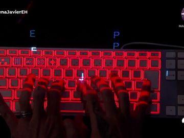 Marron sorprende en 'El Hormiguero 3.0' con un teclado mágico