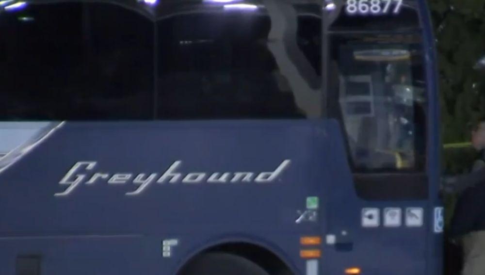 El atacante ha matado a una pasajera y herido a otros cinco