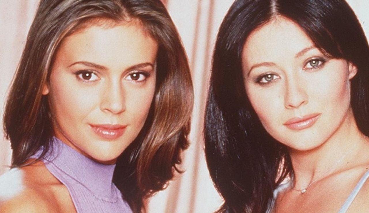 Alyssa Milano y Shannen Doherty como Phoebe y Prue en 'Embrujadas'