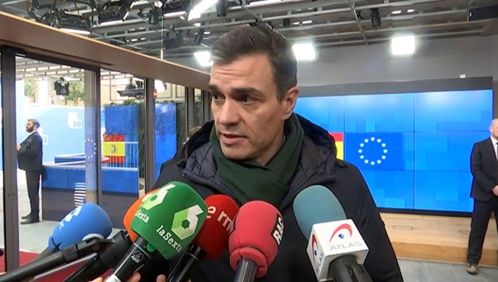 Pedro Sánchez señala a los hipermercados