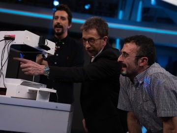 Marron sorprende en 'El Hormiguero 3.0' con la levitación con ultrasonidos