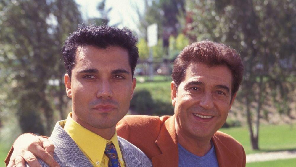 Andrés Pajares junto a su hijo