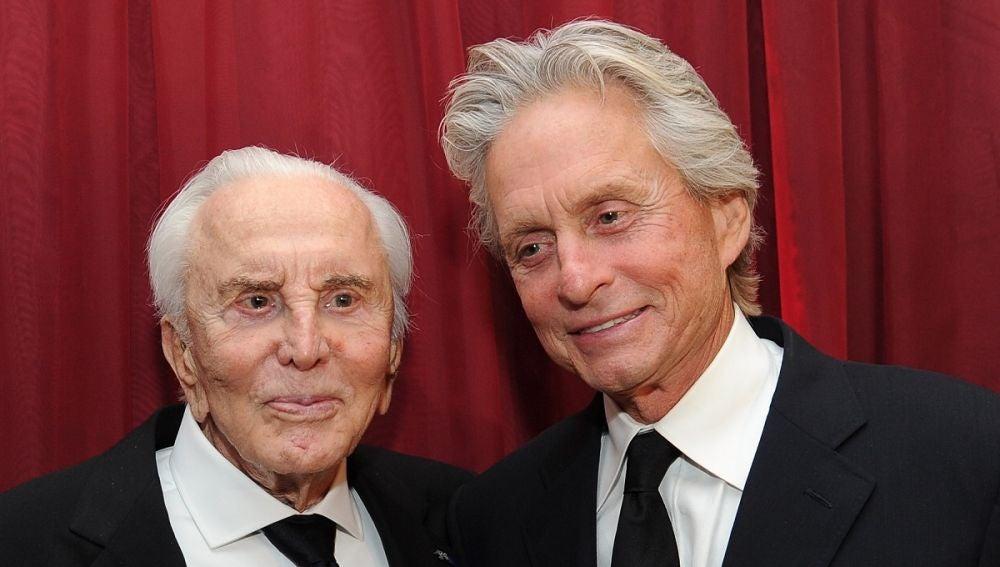 Kirk Douglas y su hijo Michael Douglas