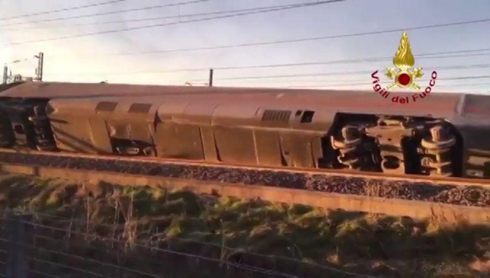 Dos muertos y unos 30 heridos por el descarrilamiento de un tren en Italia
