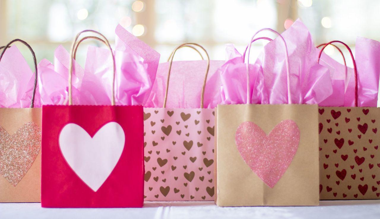 Cómo decorar un escaparate en San Valentín 2020 paso a paso