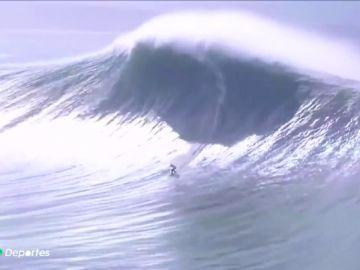 Las olas terroríficas de veinte metros que se han surfeado en el 'Tow Surfing Challenge' en Nazaré