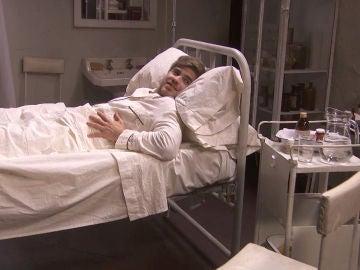 La doble visita de Adolfo después de una peligrosa operación