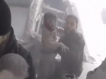 Rescate de tres niñas en Siria