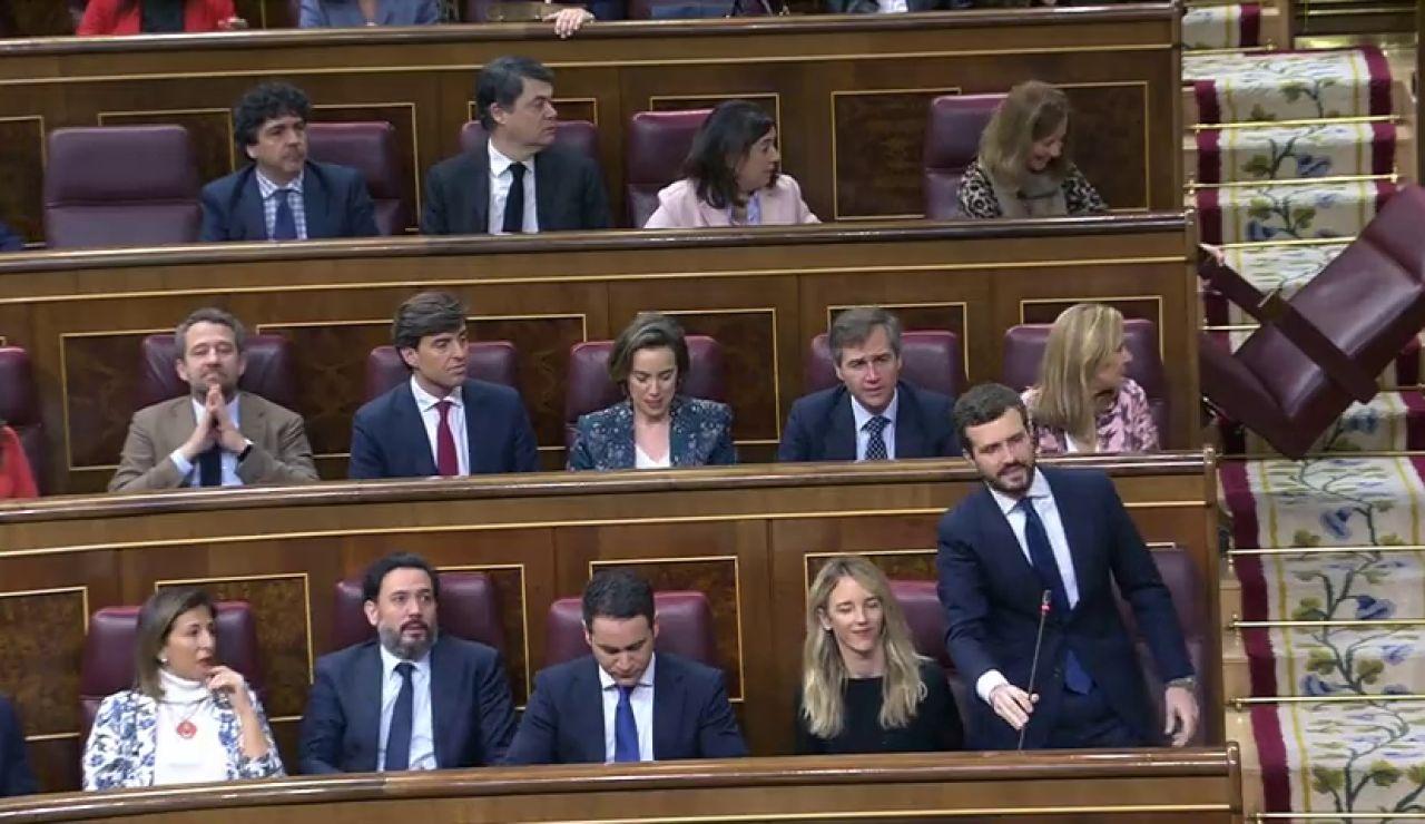 Anécdota en el Congreso: Cae un escaño de la bancada popular nada más comenzar el pleno