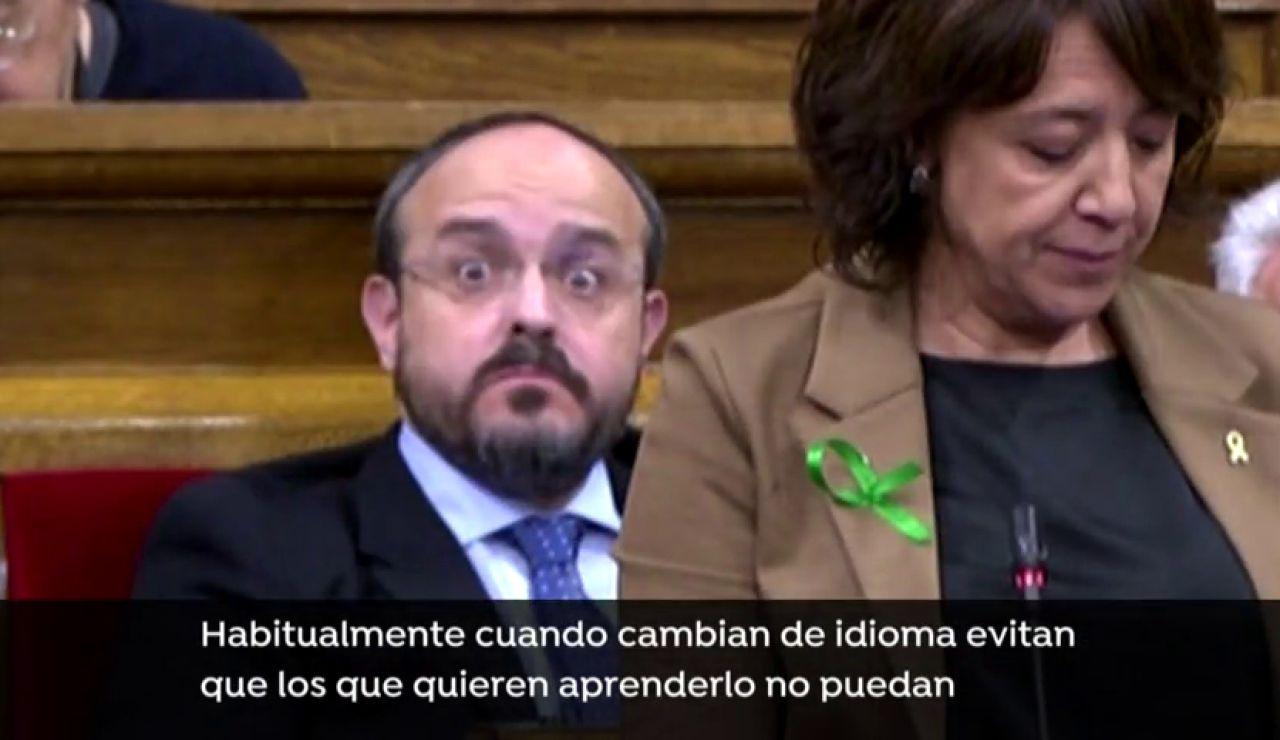 Las caras de asombro de Alejandro Fernández cuando la alcaldesa de Vic diferencia entre catalanohablantes y los demás