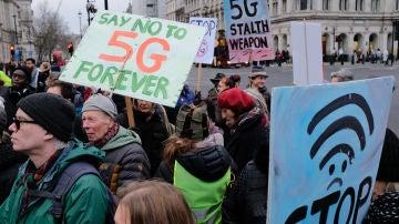 Manifestantes anti 5G concentrados hace unas semanas en Londres.