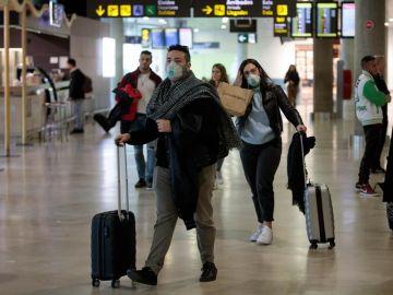 Italia impone una cuarentena de cinco días a los viajeros de la Unión Europea