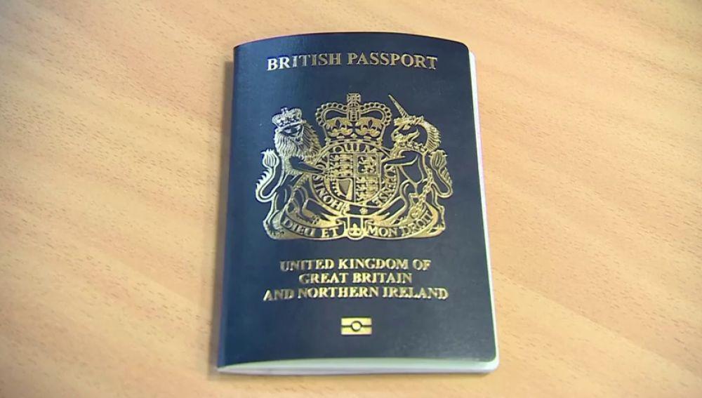 El pasaporte británico volverá a ser azul tras salir de la Unión Europea