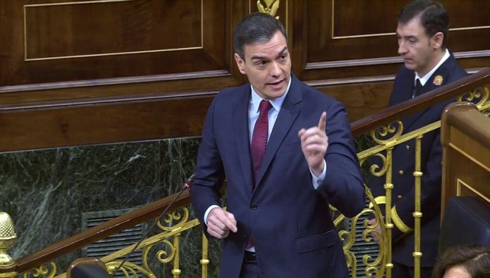 Pedro Sánchez recuerda a los independentistas antes de sentarse a la mesa de diálogo que no son mayoría