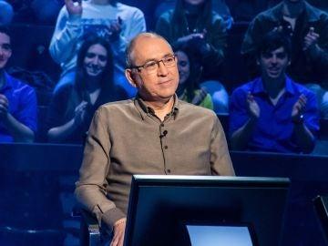 ¿Superarías el acertijo de las edades? Alberto Sanfrutos, ante el enrevesado problema matemático de '¿Quién quiere ser millonario?'