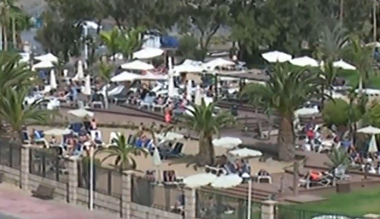 Así viven confinados en el hotel de Tenerife donde se han confirmado varios casos de coronavirus