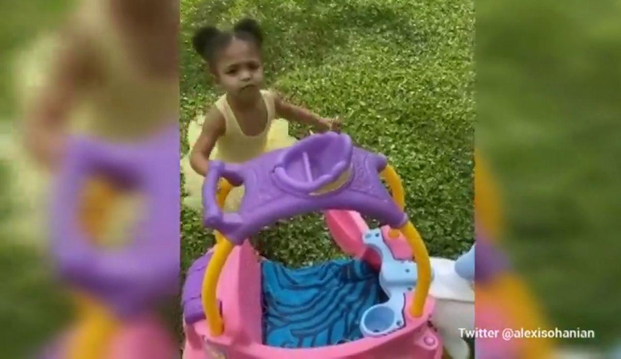 La hija de Serena Williams alucina al ver llover por primera vez