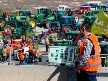 Agricultores protestando por la situación en el campo