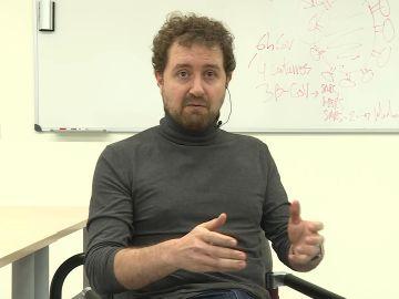 Virólogo Juan Ayllón