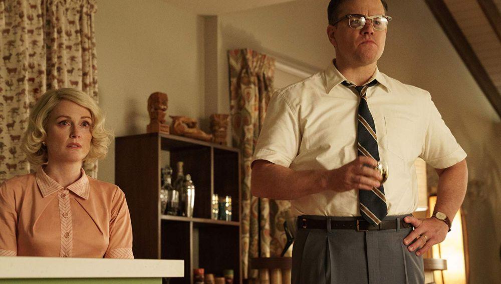 Juliane Moore y Matt Damon en 'Suburbicon'
