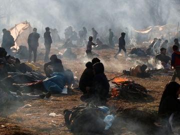 Campamento de migrantes cerca del cruce fronterizo Pazarkule de Turquía con Kastanies de Grecia