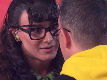 Jorge González y Àngel Llàcer se funden en uno de los besos más tiernos de 'Tu cara me suena'