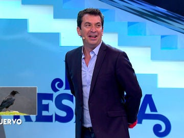Arturo Valls rompe las reglas de 'Me Resbala' haciendo trampa