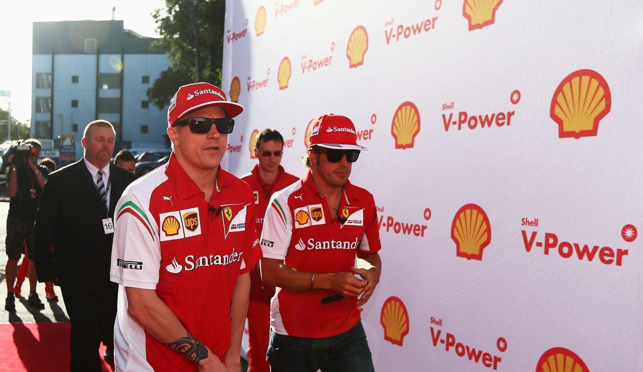Fernando Alonso junto a Kimi Raikkonen