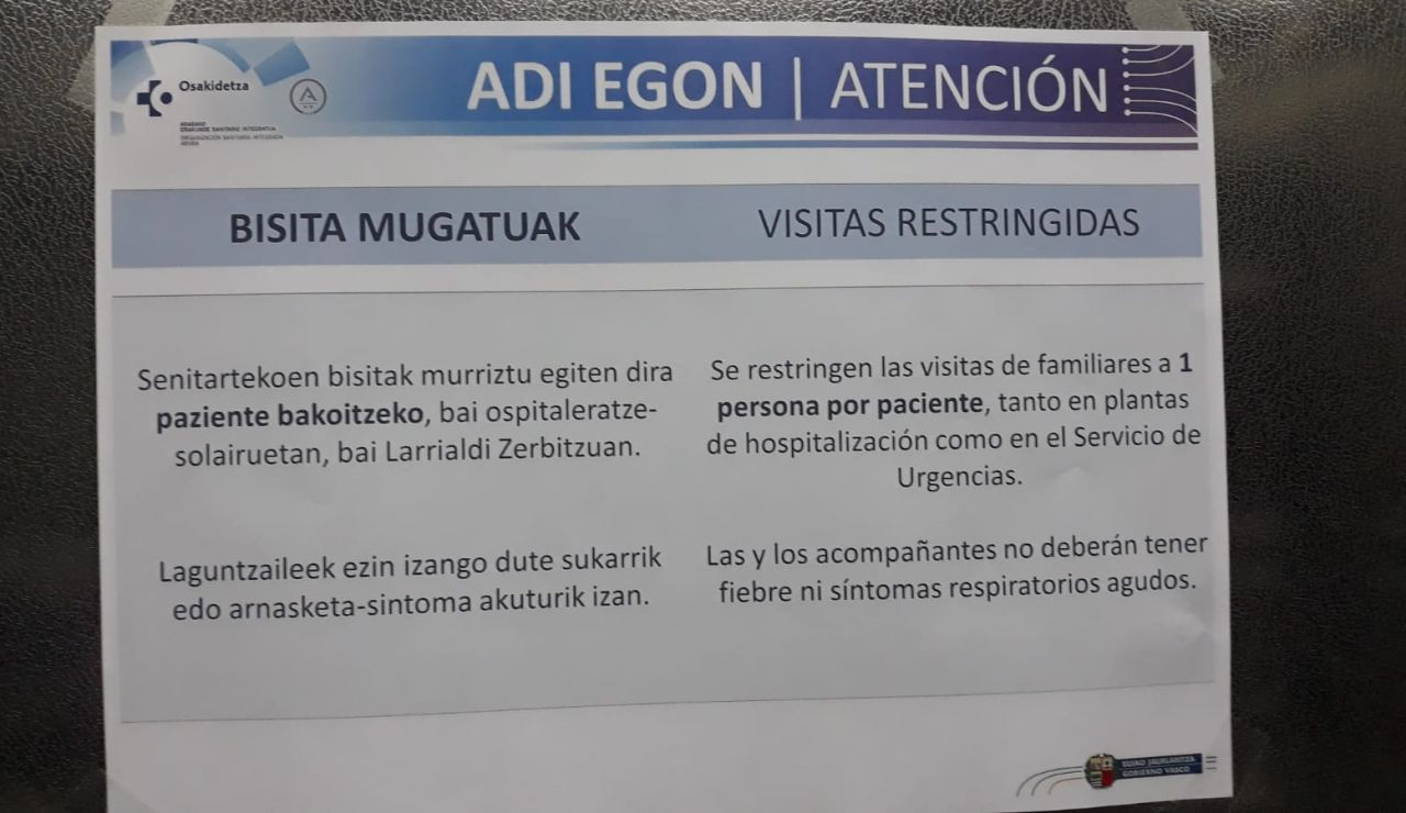 Cartel informativo en un hospital vasco