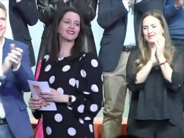 Inés Arrimadas arrasa en la votación de compromisarios, logra un 78% frente al 5,9% de Francisco Igea