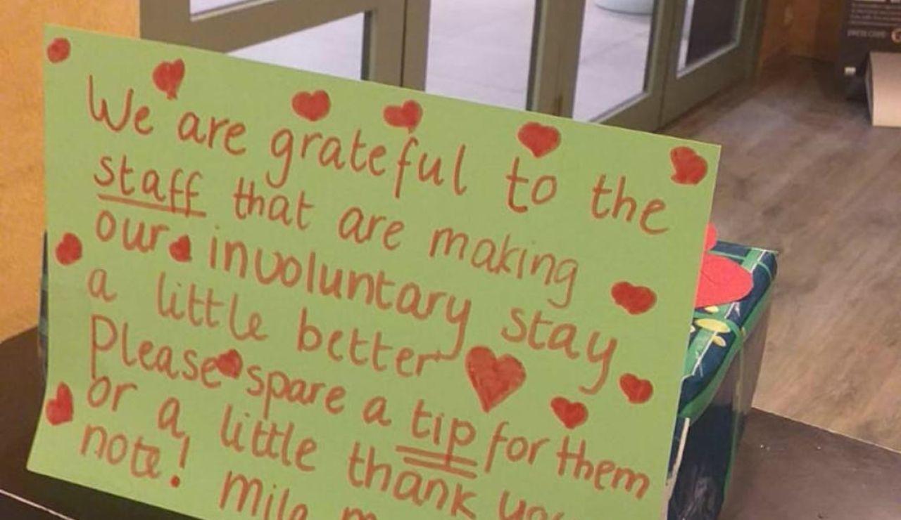 Cartel de los turistas que abandonan la cuarentena de un hotel de Tenerife