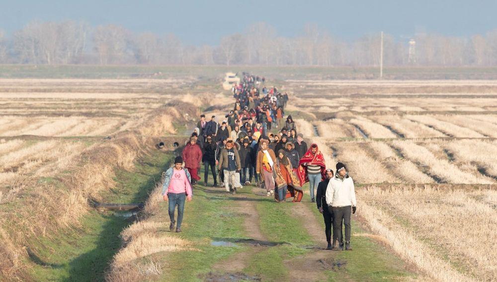 Refugiados en la frontera entre Turquía y Grecia