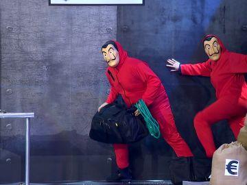 """Dos 'chorizos criollos' roban las """"pelotas de Rafa Nadal"""" en el 'Teatro dependiente'"""