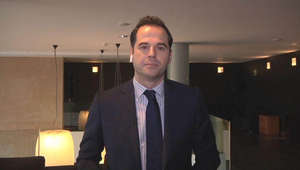 Vídeo: Comparecencia de Ignacio Aguado hoy 13 de mayo, streaming en directo