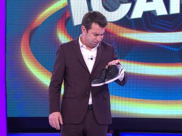 El extraño motivo por el que Arturo Valls tiene que presentar '¡Ahora caigo!' sin zapatos
